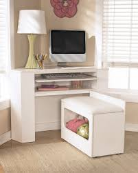 kids corner desk with bench