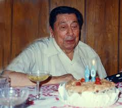 De Segovia a Yupanqui - Justo hoy conmemoramos y celebramos el nacimiento  de nuestro prócer Atahualpa Yupanqui, que cumpliría 108 años. Como es usual  cada año, estaremos en vivo recordando su vida