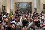 Image result for mona lisa louvre crowd