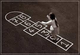 Tradicional, competitivo, de habilidad, al exterior ░ individual ░ de 6 a 11 años ░ hasta 12 jugadores ░ al exterior ░ +10 minutos ░ materiales: 10 Juegos Populares Muy Divertidos Pequeocio