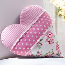 heart pillows...... Almohadón \