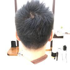 橋本 諒大さんのヘアスタイル ツーブロック刈り上げアップバン