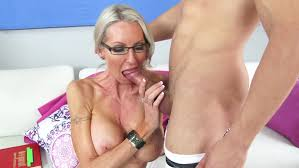 Emma Starr videos demo movies pictures MILF Fox