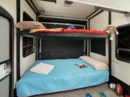 toy hauler bunk beds wow