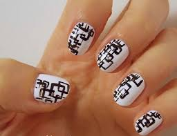 Black And White Nail Art Designs - FACE MAKEUP IDEAS