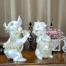 Small Picture Resin Sport Man Indian Home Decor Items Table Decoration With