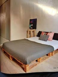 DIY Lighted Pallet Bed Frame: