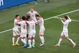 Euro 2020, la Danimarca di Kjaer è agli ottavi: battuta 4-1 la Russia
