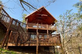 Pigeon Forge Secluded One Bedroom Cabin Rental