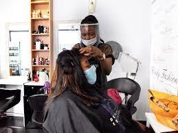 gants pour les coiffeuses du salon afro