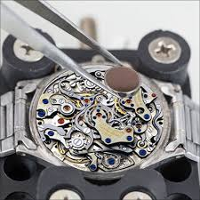 Ways To Simplify Watch Battery Replacements