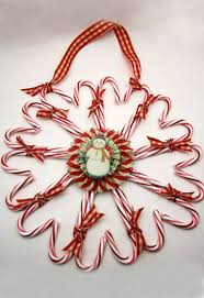10 DIY Gifts Gift Idea 6  Candy Cane Wreaths  Cute Homemade Candy Cane Wreath Christmas Craft