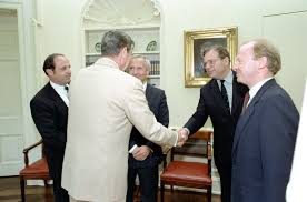 filethe reagan library oval office. File:Reagan\u0027s Meeting With Oleg Gordievsky In The Oval Office (08).jpg Filethe Reagan Library E