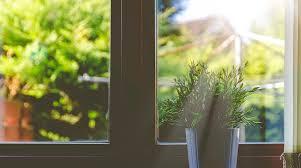 Как клеить <b>солнцезащитную пленку</b> на окно: правильно ...