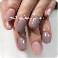 春夏秋冬okネイル透明感のある淡いピンクへスモーキーな グレー