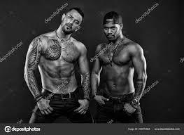 Máme Rádi Tetování Sexy Muži S Svalnatý Trup Muži S Módní Tetování