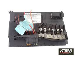 volkswagen polo fuse box replacement fuse boxes vw volkswagen polo 1 2 9n azq 2002 2005 battery fuse box 6q0937550f