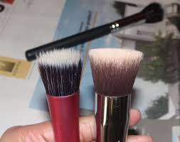 real techniques reviewed here and bharat dorris no 60 reviewed here are both stippling brushes with makeup geek angled stippling