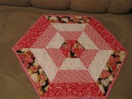 free hexagon table topper quilt patterns images round hexagon table free hexagon table topper quilt patterns