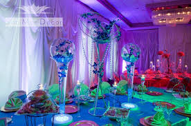 Party room and tables decorations by SaniMar Decor Studio.