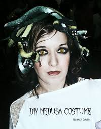 you ll love this idea make your own medusa costume not into medusa find a lot more costume ideas here
