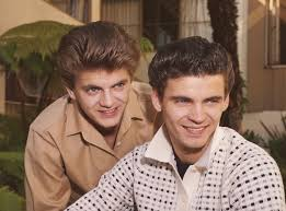 Don and phil everly are both guitarists and use vocal harmony mostly based on parallel thirds. Ybdab3vn4d6d7m