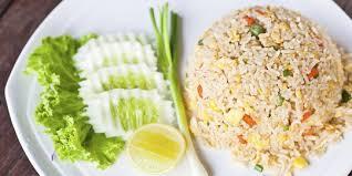 Masak orak arik telur ayam hingga matang, sisihkan sebentar di tepi wajan. 4 Resep Cara Memasak Nasi Goreng Biasa Yang Mudah Sederhana Dan Enak Merdeka Com