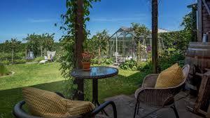 beautiful home with beautiful garden