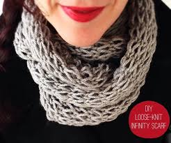 Knit Infinity Scarf Pattern Classy How To Make 48 Easy And Fun Infinity Scarves Wear Them