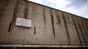 is the vatican really surrounded by walls