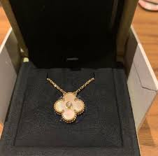 van cleef arpels limited edition holiday 2018 alhambra necklace women s fashion jewellery necklaces on carou