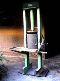 3 palm oil processing 8 hydraulic press manual the wastewater from the clarifier is drained off into nearby sludge pits dug for the purpose no further treatment of the sludge