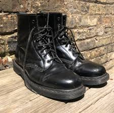 hathan nanley in 15 hours chicago united states black patent leather dr martens