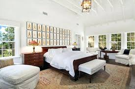vaulted ceiling decor more images of decorating vaulted walls posts vaulted ceiling room ideas