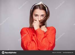 Rozkošný Kavkazských Koketa žena Tmavými Zrzavé Vlasy Nosí Volné