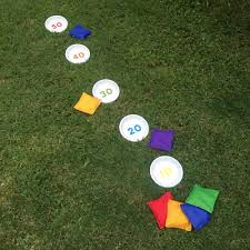 Diy Outdoor Games 9 Fun Diy Yard Games The Whole Family Will Love Simplemost