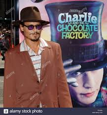 L'acteur Johnny Depp arrive pour la première de son nouveau film 'Charlie  et la Chocolaterie