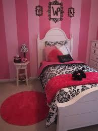 Pink And Black Bedroom Decor 3alhkecom A Marvelous Chandelier Above Black Bed And White Duvet