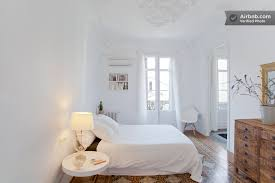 Apartment Bedroom Ideas White Walls 2
