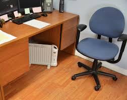 office cubical. NewAir AH-400 Low Watt Oil-Filled Underdesk Heater Office Cubical