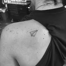минималистичные татуировки от мастера кендалл дженнер Peopletalk