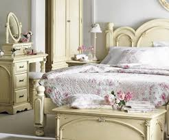 luxurious victorian bedroom white furniture. Medium-size Of White Victorian Style Bedroom Furniture Luxury Design Ideas And Victorianstyle Luxurious
