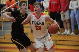 The 2019-20 All-Express Boys Basketball team - Sports - The Lake News  Online - Camdenton, MO
