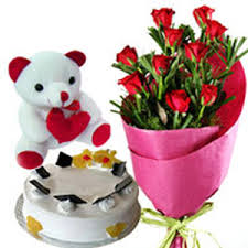 teddy cake and roses