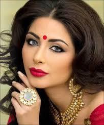 kohl eye makeup with even tone eye shadow bridal eye makeup indian bridal makeup