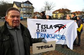Des manifestants allemands affirment que Tesla va leur voler leur eau - L'Automobiliste