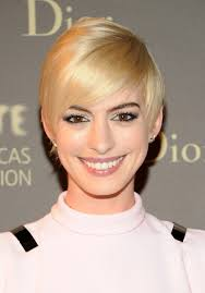 Women Short Hair Style 30 Cute Short Hairstyles For Women How To Style Short Haircuts 8262 by wearticles.com