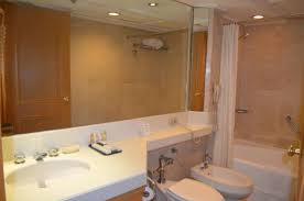 the heritage hotel manila bathroom with bathtub