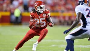 Offensive Battles Heat Up At Chiefs Training Camp 12up