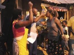 Wangiqubula wangisa e sitting room, wangibeka phezu kasofa, wangibhebhela khona, ngavele ngahlala phezu kwakhe, ngamfenda engathi angikaze ngifende, wakhala mi, izinyembezi. Adile Uselale Nami Ngemva Kokuthola Kwami Ezimanzi Ekasi News Online